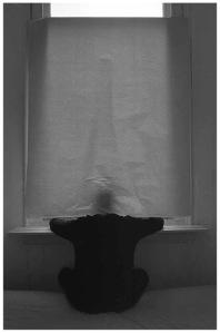 [1985]-072-04 man_raam_papier_01