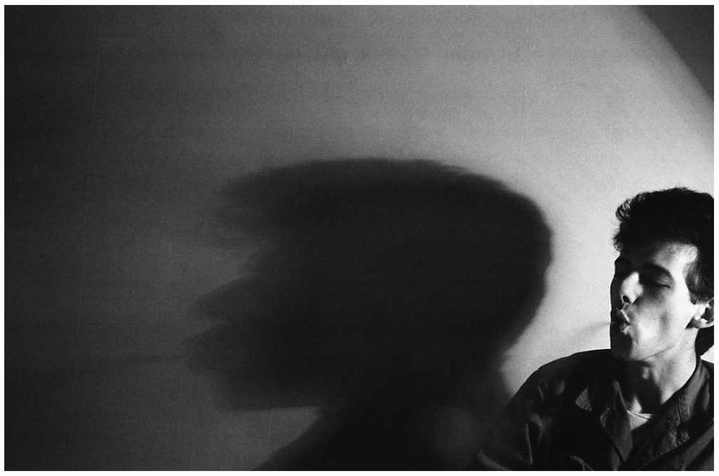 [1983]-44-16 Erwin schaduw rook FOTO GUSTAVE PETIT