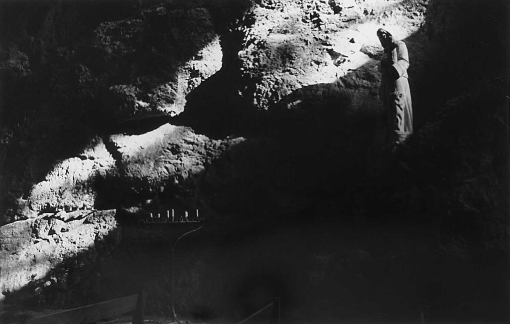1985-63-15 prieuré de serrabonne FOTO GUSTAVE PETIT