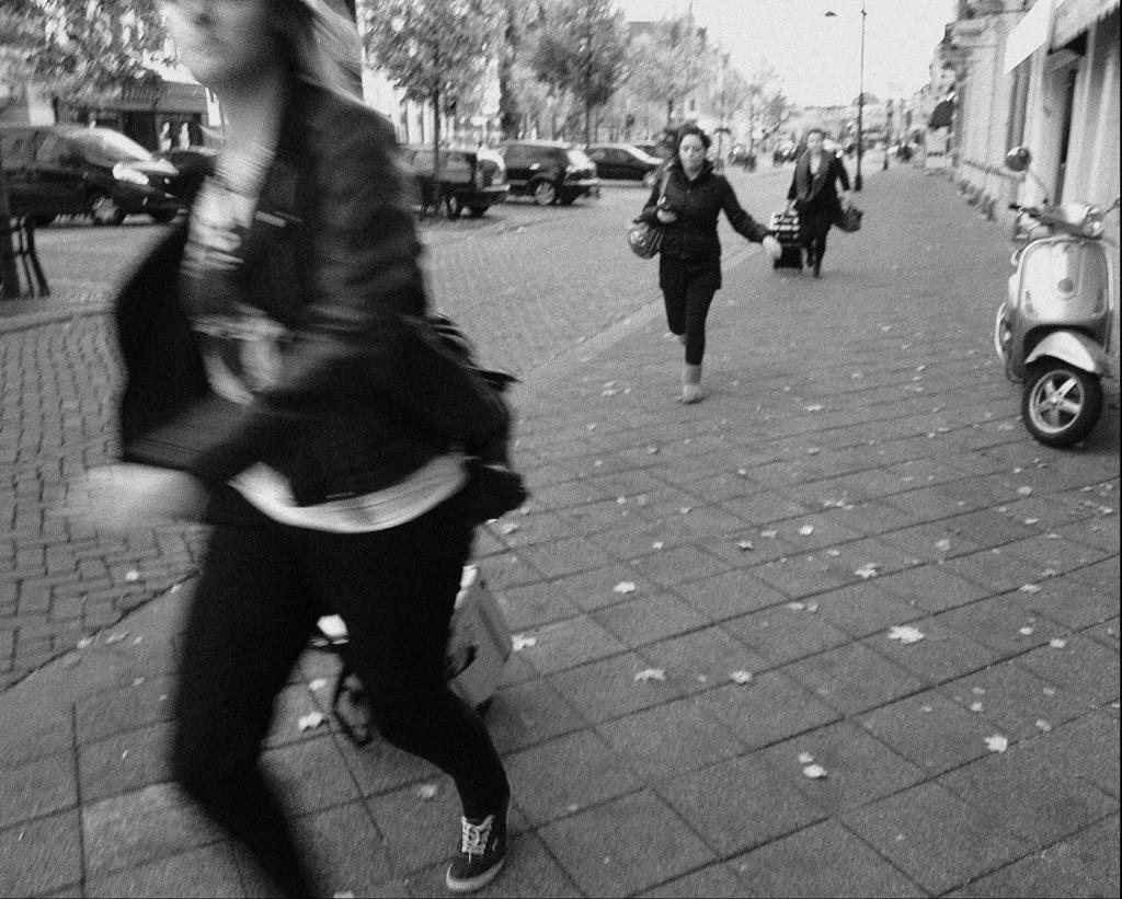 2013-1371 rennende dames nwe ginnekenstr FOTO GUSTAVE PETIT
