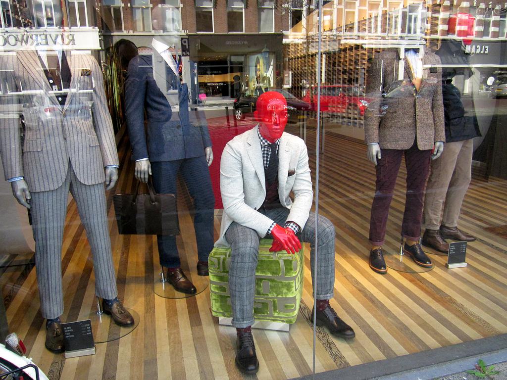 2013-1140 etalage SuitSupply FOTO GUSTAVE PETIT