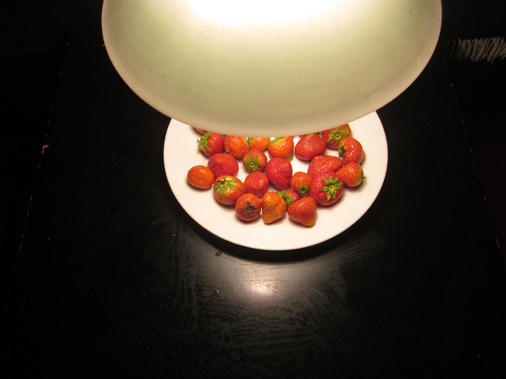 2014-2932 lamp aardbei 01 FOTO GUSTAVE PETIT