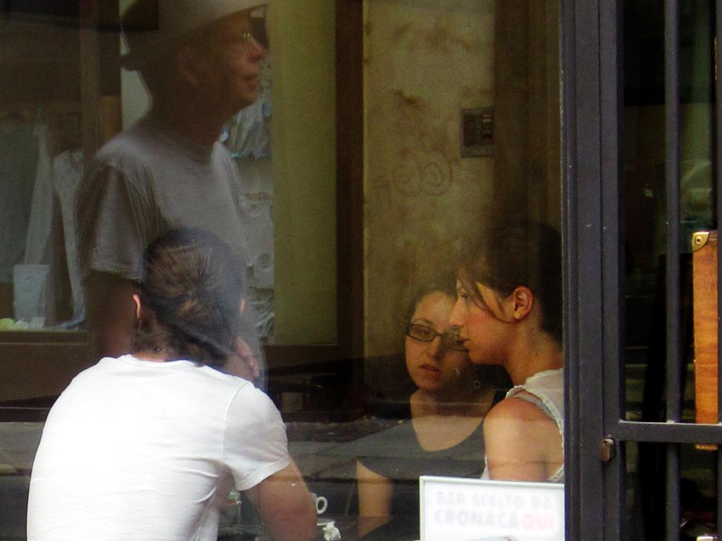 2013-0804 Hoeba spiegeling ruit PHOTO GUSTAVE PETIT
