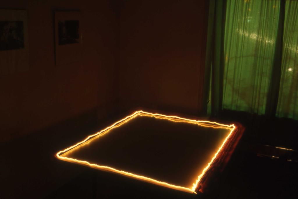 1986-Y3-012 KL vierkant licht FOTO GUSTAVE PETIT