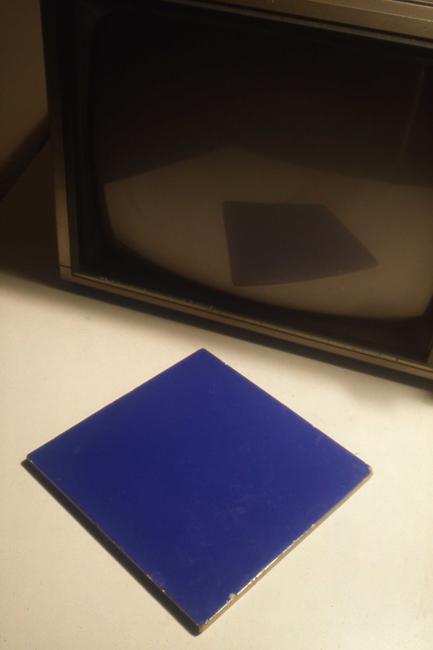 1986-Y3-014 KL baro ikb tegel tv DIA GUSTAVE PETIT