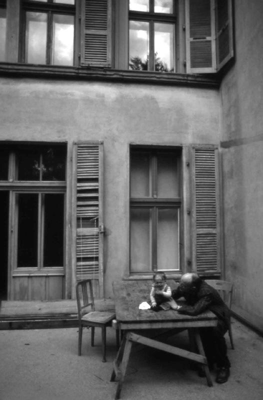 1987 AK-001 PHOTO GUSTAVE PETIT