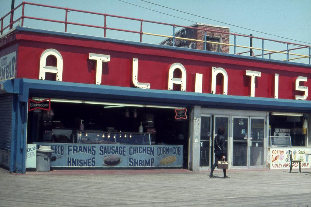 1982-N-08 coney island atlantis FOTO GUSTAVE PETIT