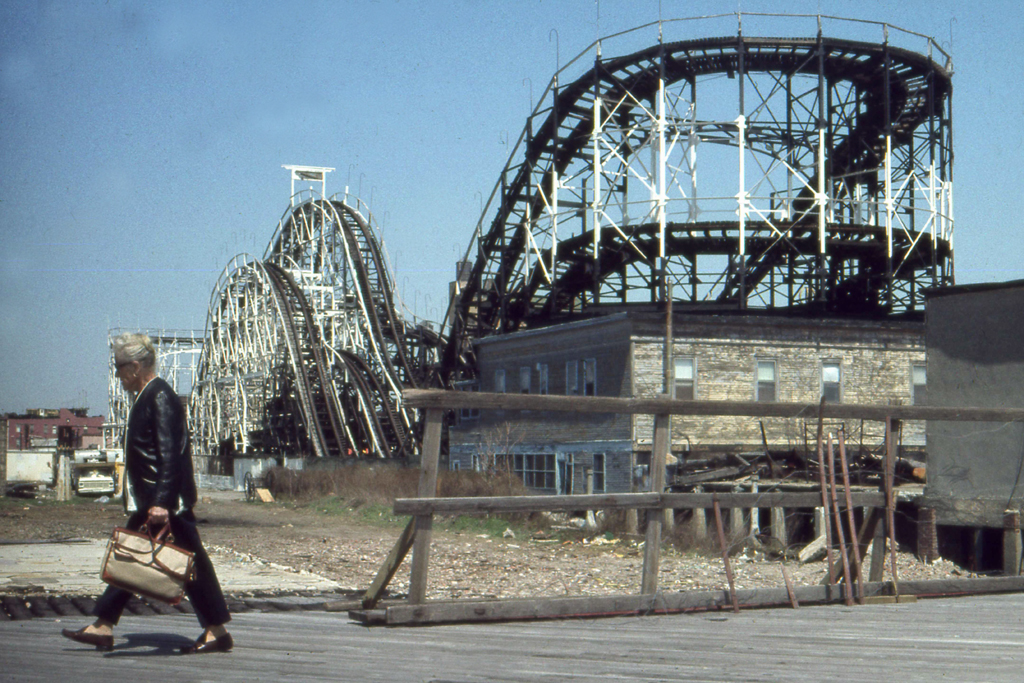 1982-N-09 coney island rollercoaster FOTO GUSTAVE PETIT