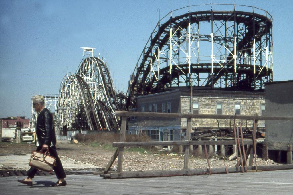 1982-N-09 coney island rollercoaster FOTO GUSTAVE PETIT